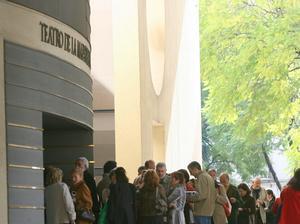 El Ayuntamiento se queda solo en su castigo económico al Teatro Maestranza