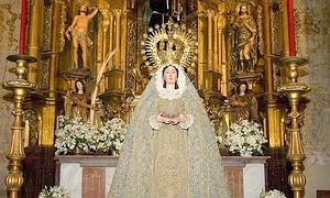 La Virgen del Voto recupera dulzura en el rostro tras su restauración
