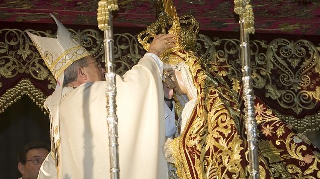 Sacra Conversación de Ntra. Sra. del Consuelo en la Soledad - Página 3 Corona--644x362