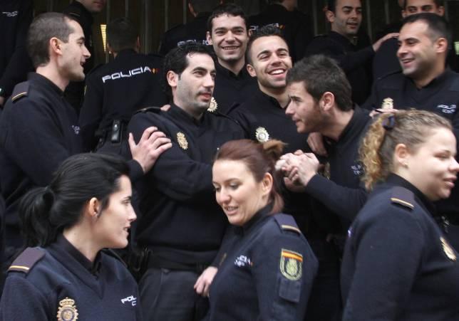 Sevilla recibe menos de la mitad de polic as en pr cticas - Policia nacional cadiz ...