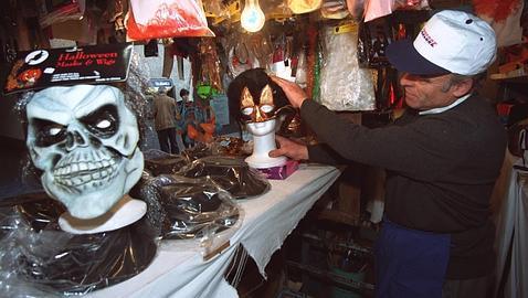 Los disfraces de carnaval un peligro para los ni os abc - La casa de los disfraces sevilla montesierra ...