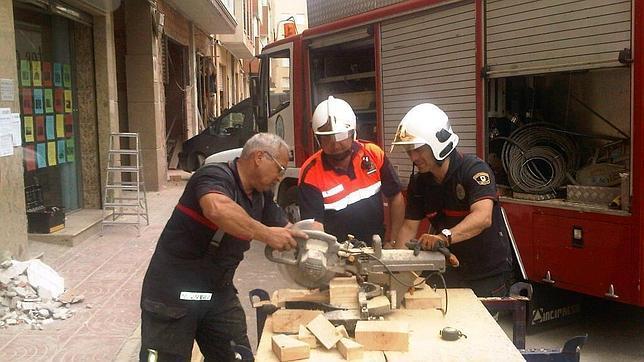 Ayuda sevillana a Lorca tras el terremoto