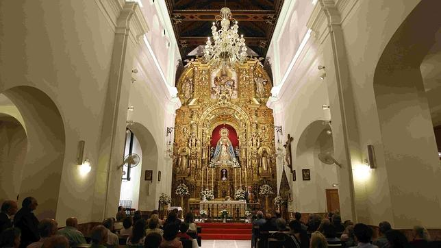 La Fundación Sevillana Endesa ilumina el interior de la capilla de los Marineros