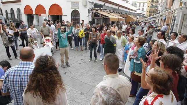 Trabajadores del mercado de la calle feria ruedan el for Servicio tecnico jane sevilla calle feria
