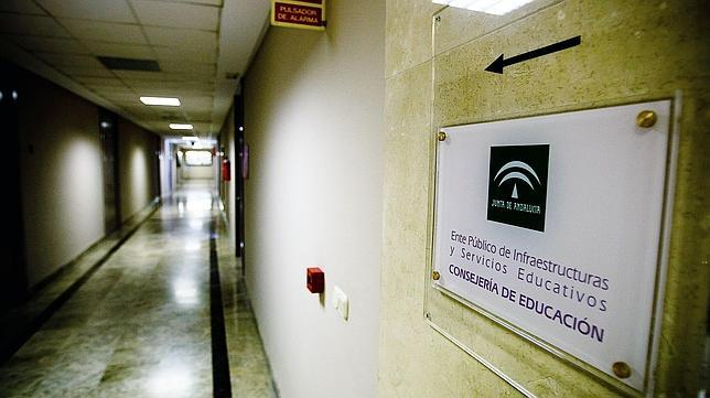La Fiscalía de Cádiz denuncia la malversación de 3,6 millones de euros en Educación