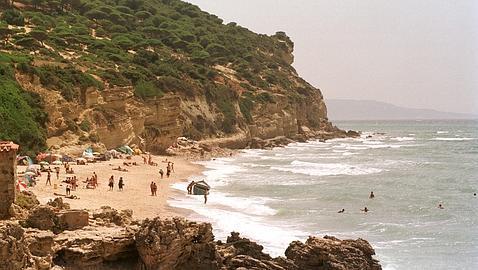 Las Playas De Canos De Meca Y El Carmen En Barbate Cerradas Al Bano