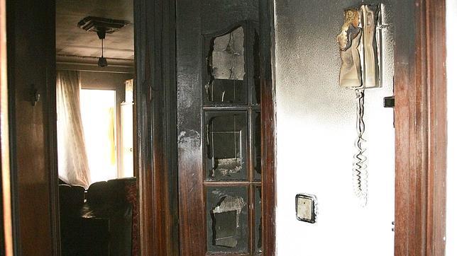 Incendio sin heridos en un bloque de la barriada de El Trébol