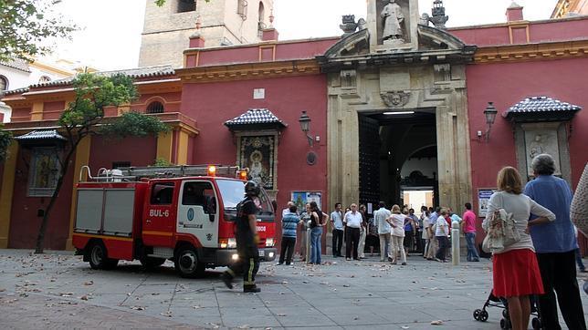 El incendio de un cubo de goma llenó de humo San Lorenzo