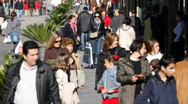 El comercio del centro espera que las ventas en navidad for Centro de salud ciudad jardin almeria