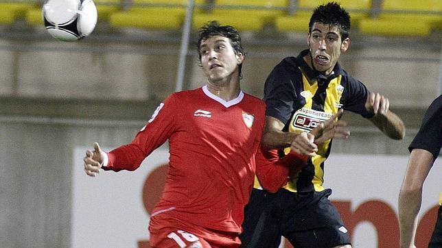 El Sevilla cumple con el gol de Kanouté (0-1)