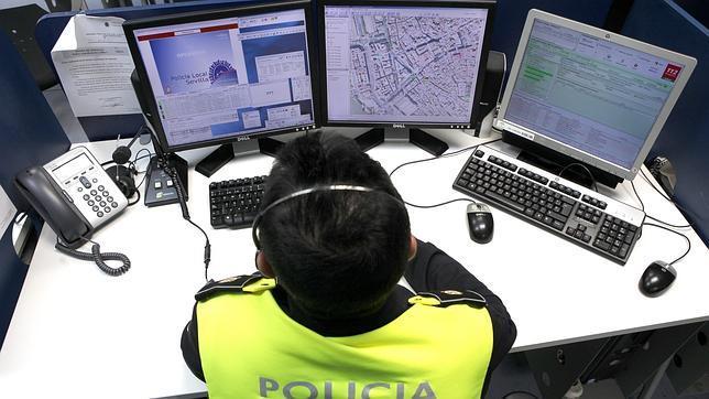 El centro de control de la polic a local pasa a integrar la plataforma del 112 - Oficina del policia ...