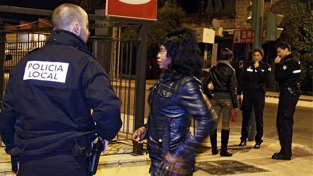 prostitutas callejeras en sevilla servicios de prostitutas