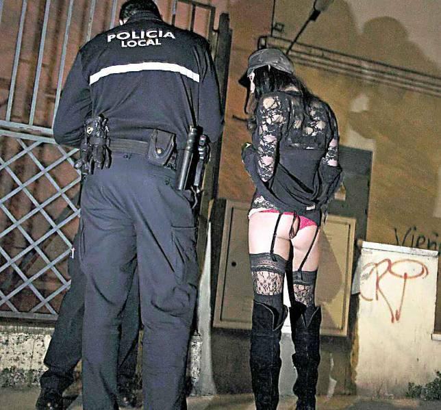 prostitutos policia prostitutas