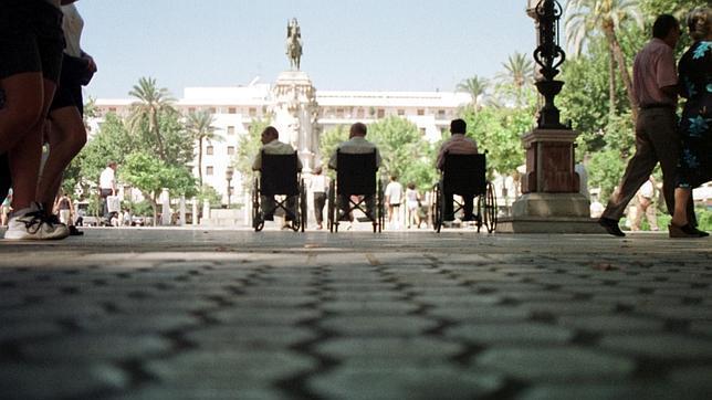 Colectivos de discapacitados alertan de la «falta de transparencia» de la Oficina de Accesibilidad