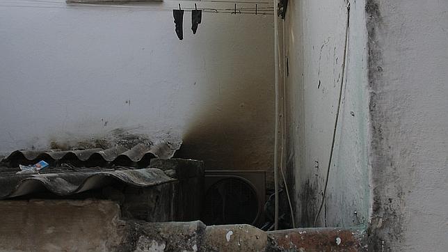 Herido un matrimonio de ancianos tras un incendio en su casa de Nervión
