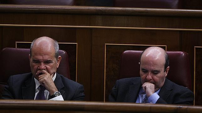 Zarrías firmó convenios con el mismo sistema que el de los ERE