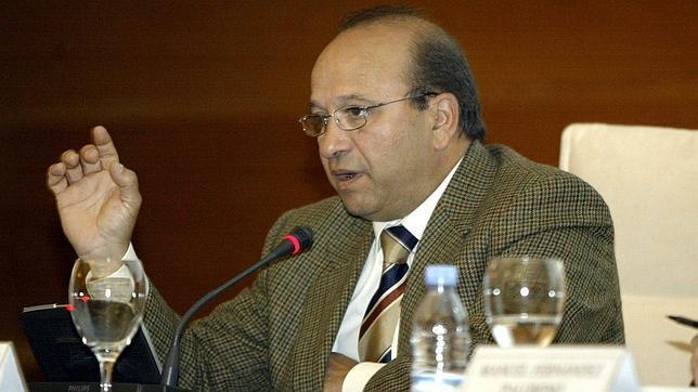 Un exdiputado pag euros en un sobre a la trama de falsos fiscales - Subastas de pisos embargados ...