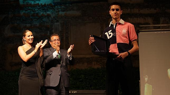 Un joven de 16 años gana el premio al mejor blog de Sevilla