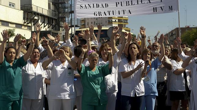 La sanidad protesta contra los recortes de la Junta de Andalucía