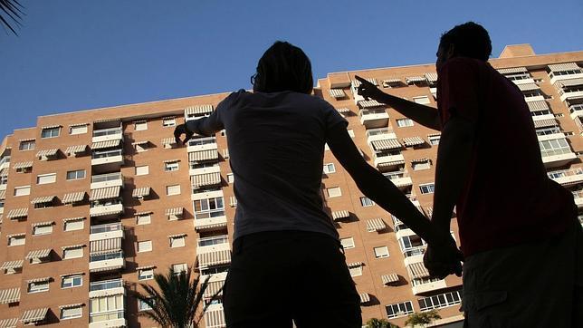 Cinco formas de que te estafen al alquilar un piso por for Parcelas para alquilar en sevilla