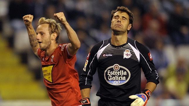 El Sevilla confirma en Coruña que está en un gran momento (0-2)