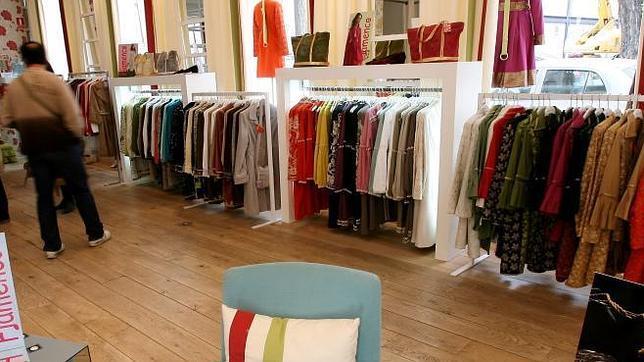 7563f643f Las ventas de las tiendas de ropa caen un 3