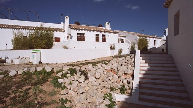 Caen las pernotaciones en hoteles y casas rurales de andaluc a en el puente - Trabajo en casas rurales ...
