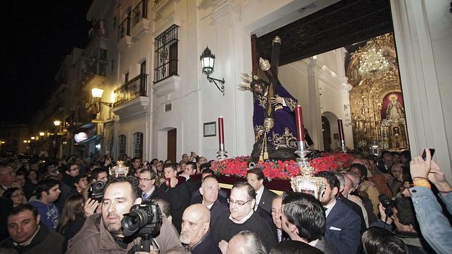 El Cristo de las Tres Caídas ya está en la parroquia de Santa Ana