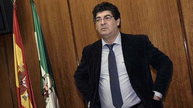La Junta de Andalucía «resucita» el fantasma del franquismo el 28-F
