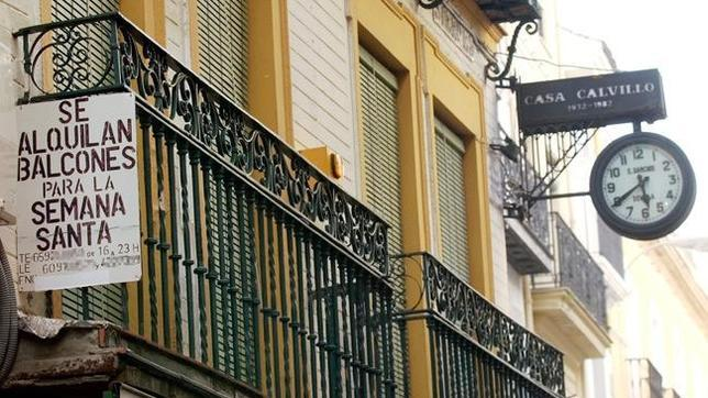 Cu nto cuesta alquilar un balc n en la semana santa de for Alquiler de apartamentos en sevilla para semana santa