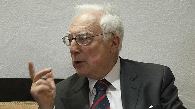 Aquilino Duque: «El analfabetismo de los políticos ayudó a que se leyera a Foxá»