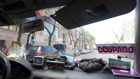 Sexo, niños olvidados y partos... En un taxi
