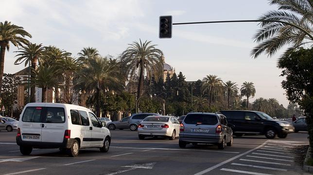 Semaforo En La Avenida De La Palmera Sevilla Abc Es