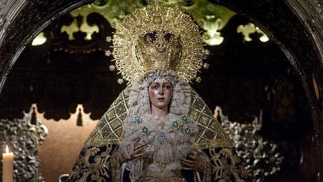 El Año Jubilar Macareno comienza con la bendición de la puerta de la Basílica