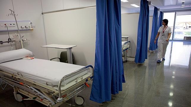 Los hospitales presentarán este verano alas completamente vacías