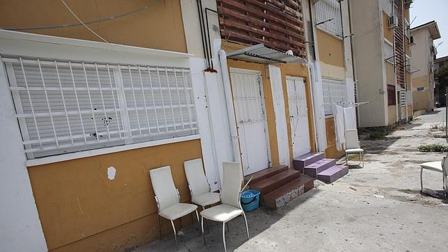 Exterior de la vivienda tiroteada por el clan de Los Perla y donde falleció una niña de siete años