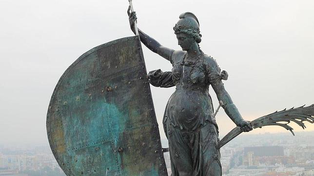 A los ocho años de su restauración, la espina dorsal del Giraldillo se oxida