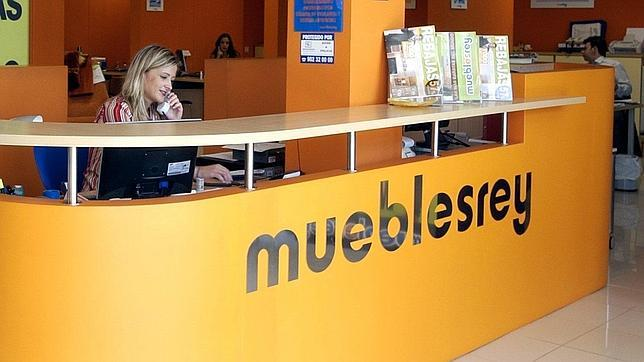 La junta analiza el cierre de muebles rey for Muebles poligono el manchon