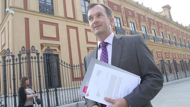 UPyD presenta a Susana Díaz un plan contra la corrupción en Andalucía