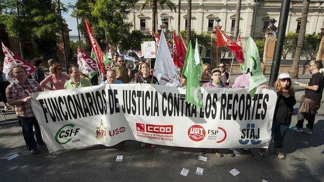 ¿Cuánto dinero pierden los funcionarios andaluces con los recortes de la Junta?