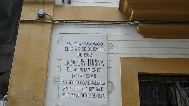 Placa en la casa natal del músico Joaquín Turina en la calle Buiza y Mensaque