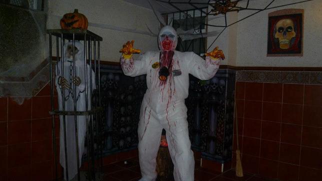 Una casa terror fica para la noche de halloween en montequinto - Decoracion halloween para casa ...
