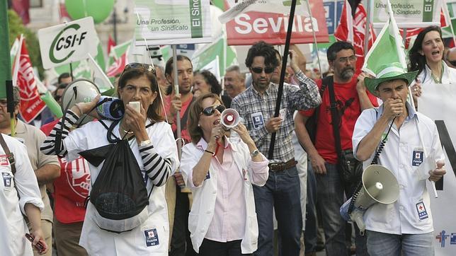 Manifestación de trabajadores de Sanidad en Sevilla