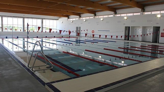 Tres mil euros en mantenimiento para una piscina sin inaugurar en alcal - Piscina cubierta alcala de guadaira ...