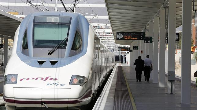 El PP ve «estrambótica» la propuesta del AVE Marchena-Antequera