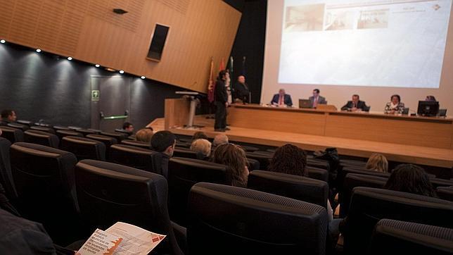 Una oficina totalmente equipada en Sevilla... a partir de 90 euros