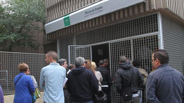 El paro en andaluc a sube en personas hasta los desempleados - Oficina seguridad social sevilla ...