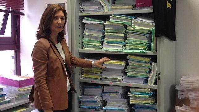 Los archivos en los juzgados de viapol en un s tano con for Juzgados viapol sevilla
