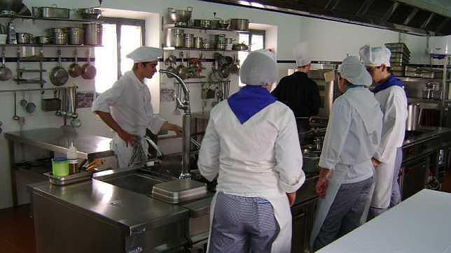 Ampliaci n y mejora de la escuela de hosteler a de carmona - Curso cocina sevilla ...
