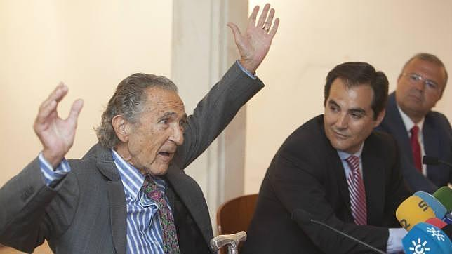 Antonio Gala llama a Córdoba a garantizar la perviviencia de su fundación tras su muerte